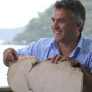 Photo of Associate Professor Scott Smithers