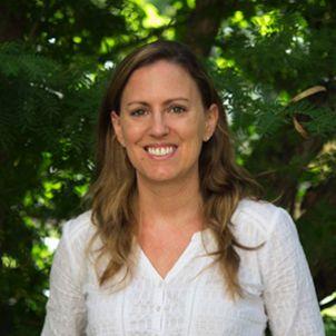 Photo of Dr Amy Diedrich
