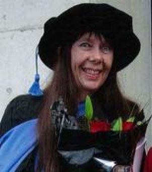 Photo of Dr Elizabeth Tynan