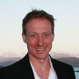 Photo of Dr David Bourne
