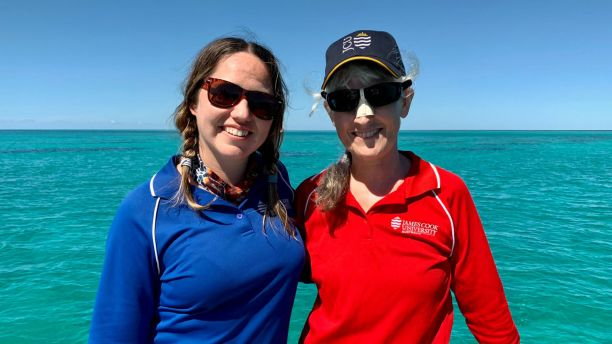 Dr Ellen Ariel and PhD student Rebecca Diggins on the Great Barrier Reef