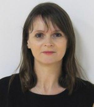 Photo of Dr Karen Carlisle