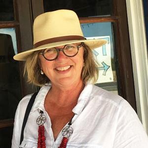 Portrait of Dr Isabelle Skinner