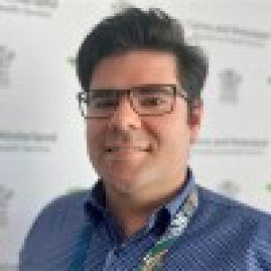 Photo of Dr Lachlan Gordon