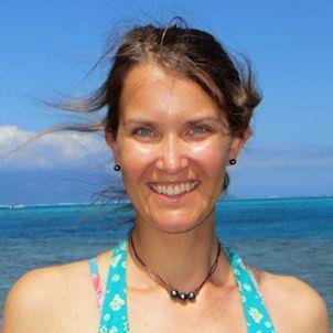 Photo of Dr Stephanie Duce