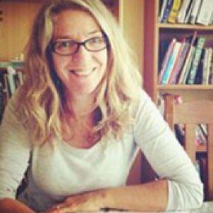 Photo of Dr Lynne van Herwerden