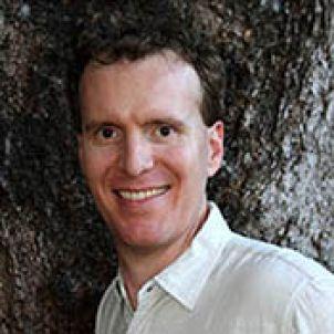 Photo of Associate Professor Scott Heron