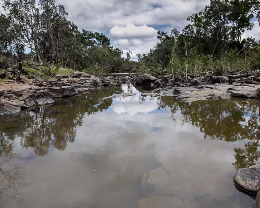 Fletcherview stretches along a 2.5km section of the Burdekin River, and has three major creek systems.