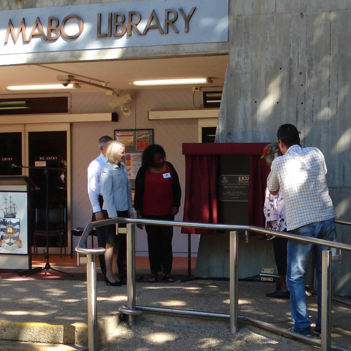 Unveiling the naming plaque of the Eddie Koiki Mabo Library