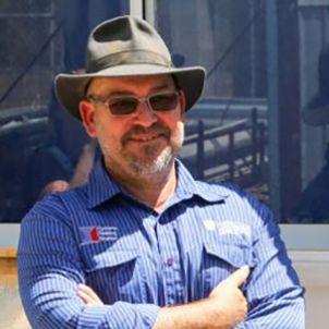 Photo of Dr David Henderson