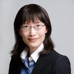 Photo of Associate Professor Katheline Hua