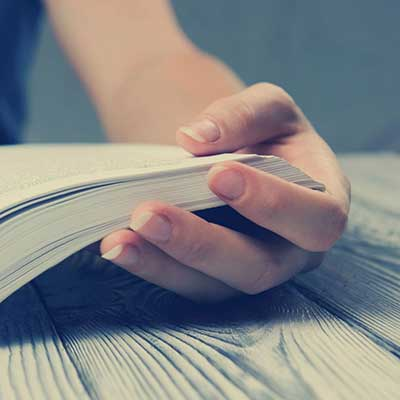 Think reading is a solo activity? It doesn't have to be
