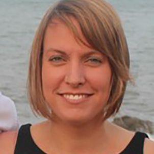 Photo of Dr Jennifer Donelson